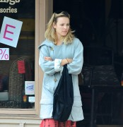 Rachel McAdams shopping in Ojai, California, 4 October, x16