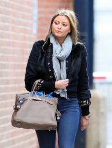 Холли Вэлэнс, фото 801. Holly Valance - Tight Jeans - Dance Studios in London 20-10-2011, foto 801