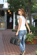 Elisabetta Canalis shopping at a store in Los Angeles, 20 October, x9