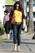 Neve Campbell - out for a walk in Venice 29/10/'11