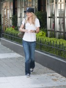 Бритт Робертсон, фото 111. Britt Robertson Out for icecream in Vancouver , July 17 2011, foto 111