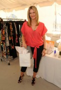 Наташа Хэнстридж, фото 869. Natasha Henstridge 2012 DPA Golden Globe Awards Gift Suite, Beverly Hills - January 13, 2012, foto 869
