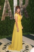 Рашида Джонс, фото 466. Rashida Jones 2012 Vanity Fair Oscar Party - February 26, 2012, foto 466